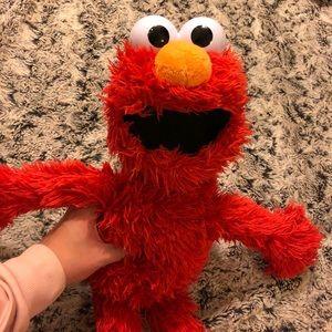 Interactive Elmo (150+ responses & games)